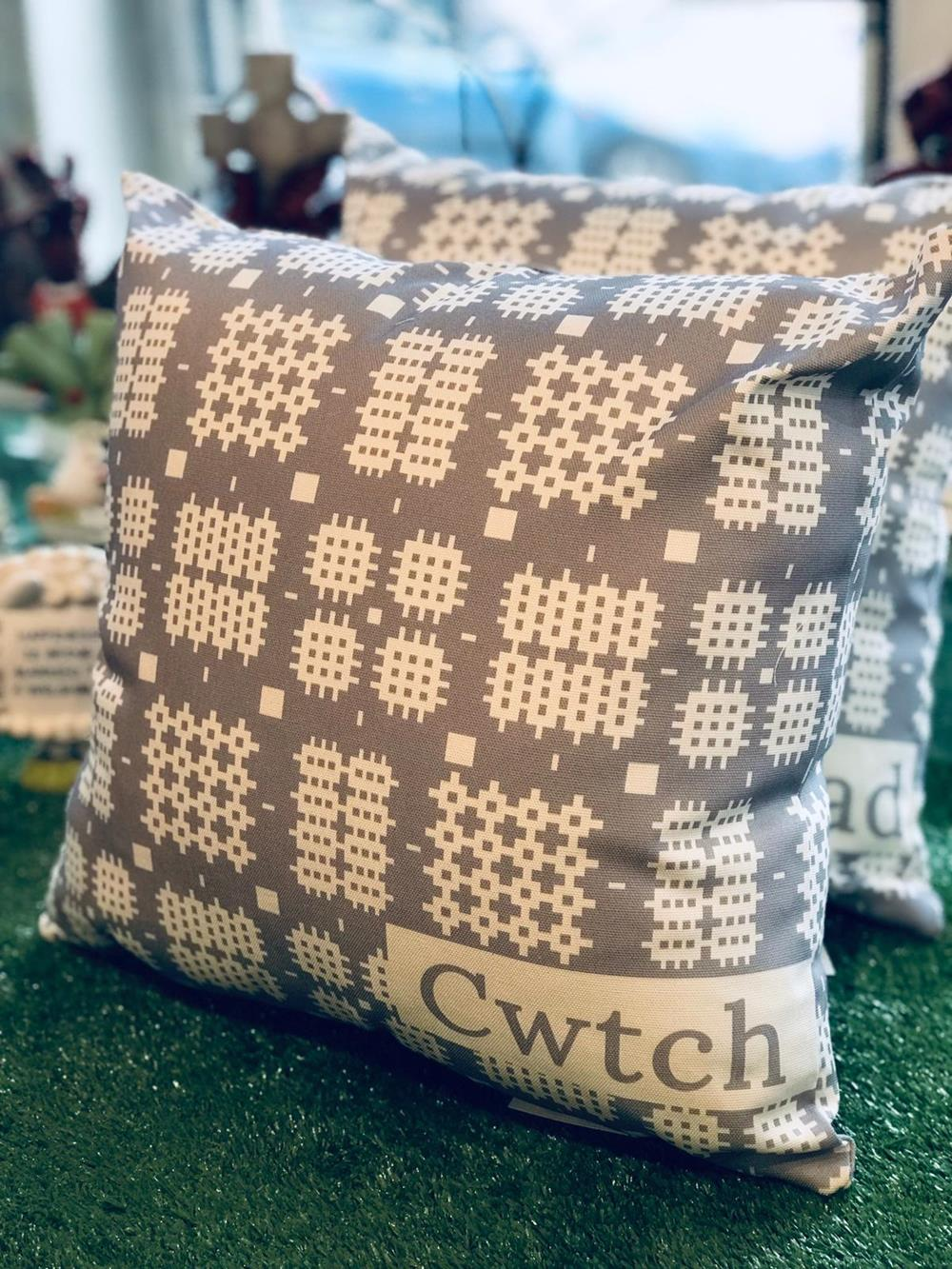 Heritage Design Cushion ~ Grey